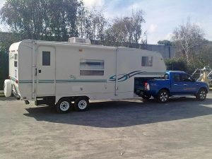 5th-Wheel-motorhome_fs